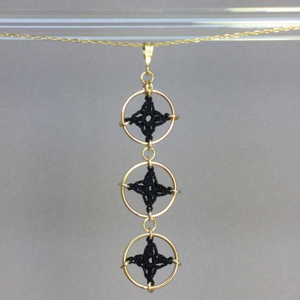 Spangles 3 necklace, gold, black