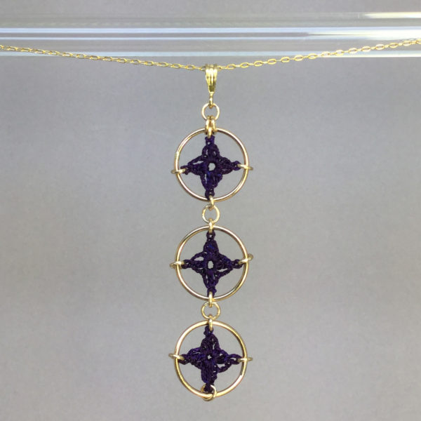 Spangles 3 necklace, gold, purple thread