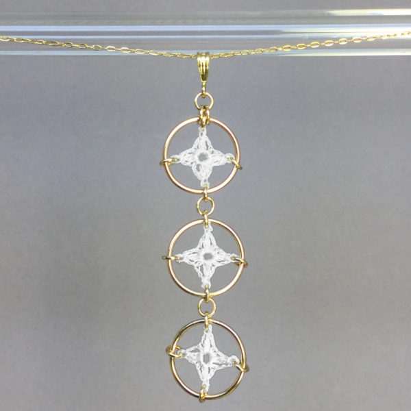 Spangles 3 necklace, gold, white