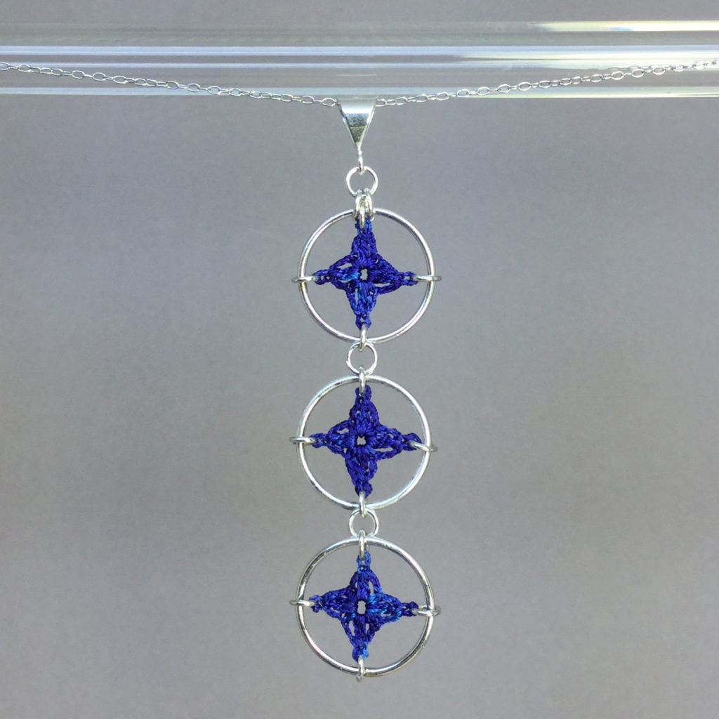 Spangles 3 necklace, silver, blue