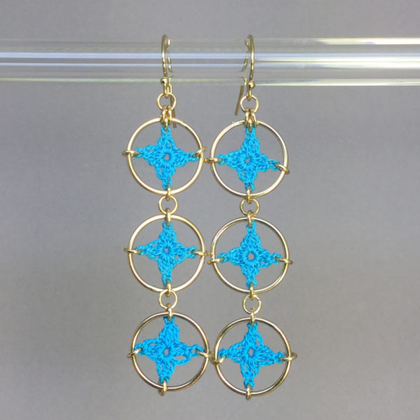 Spangles 3 earrings, gold, turquoise thread