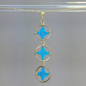 Spangles 3 necklace, gold, turquoise thread