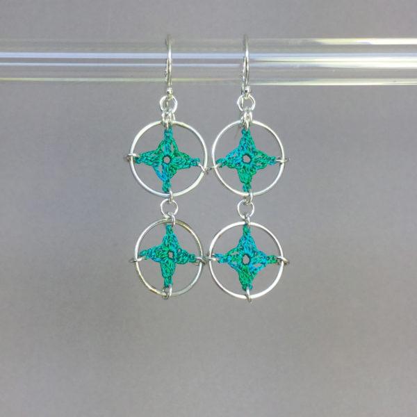 Spangles 2 earrings, silver, shamrock green thread