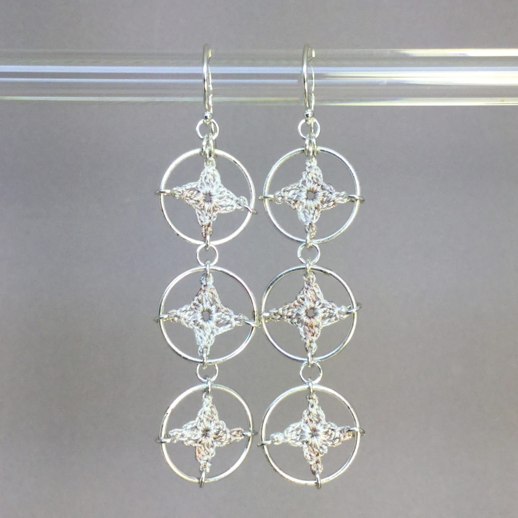 Spangles 3 earrings, silver, pearly thread
