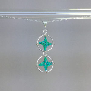 Spangles 2 necklace, silver, shamrock green thread