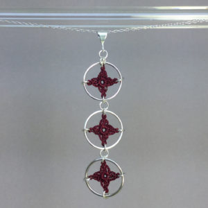 Spangles 3 necklace, silver, maroon thread